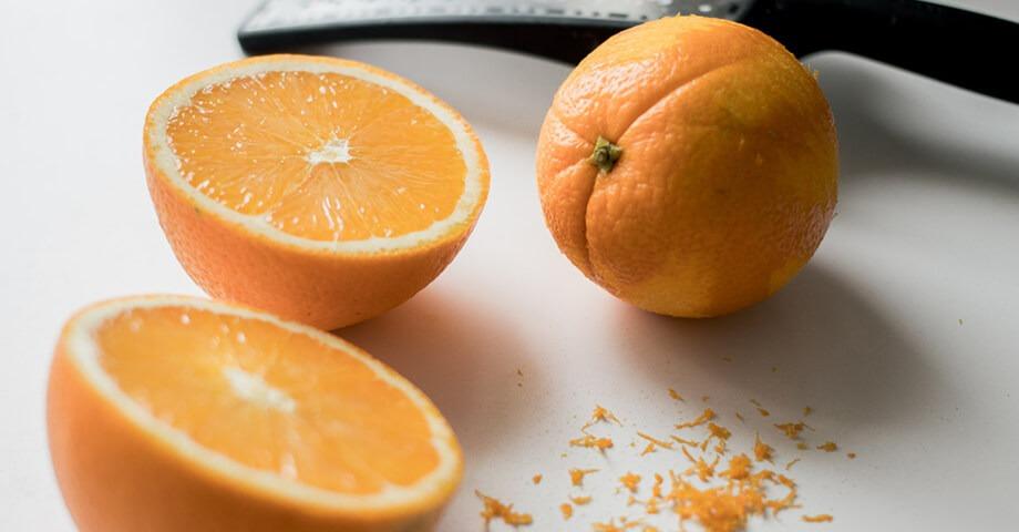 Orangen-Schneebaelle
